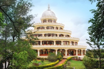 Meditationshalle Vishlakshmi Mantap im Art of Living Ashram, Bangalore