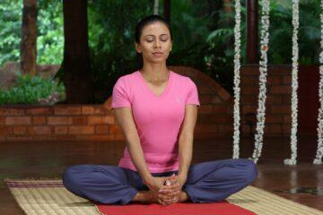 Yoga im indischen Ashram von Art of Living