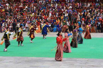 Traditioneller Tanz beim Thimphu-Fetival in Bhutan