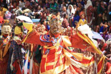 Tanzender Mönch beim Thimphu Festival