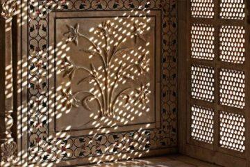 Kunstvolle Marmorarbeiten im Taj Mahal