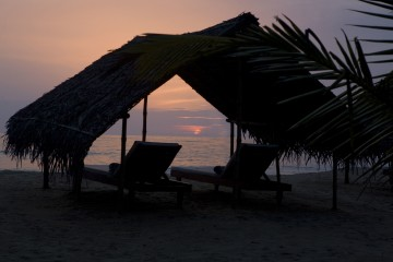 Sonnenuntergang am Nattika Beach in Kerala