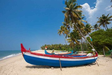 Strand der Bougainvillea-Bungalows
