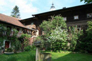 Innenhof des alten Pilgerhofs
