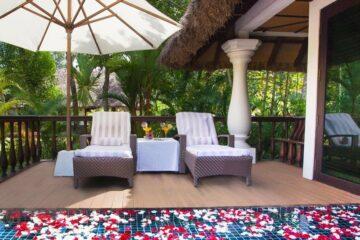 Deck der Arkund Deluxe Villa