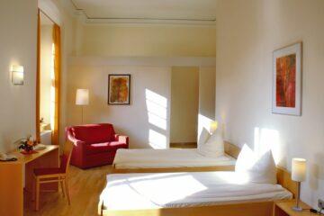 Zweibettzimmer im Kloster Schöntal