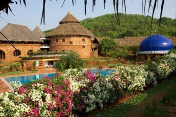 Pool & Garten im SwaSwara
