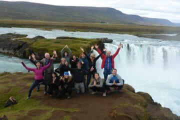 Gruppenfoto am Godafoos Wasserfall