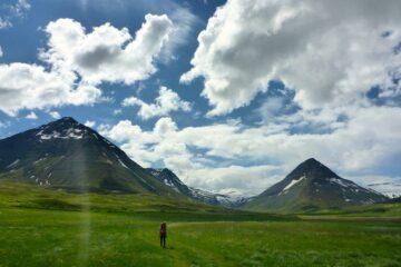 Aktivurlaub Island: Yoga und Wandern in der Natur