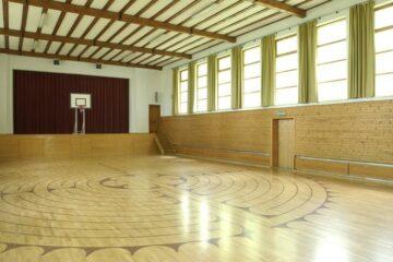 Sporthalle für Tog Chöd