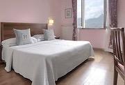 Doppelzimmer mit rosa Wand