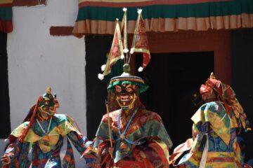 Ladhaki mit Masken