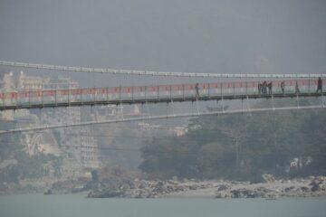 Hängebrücke über Ganges in Rishikesh