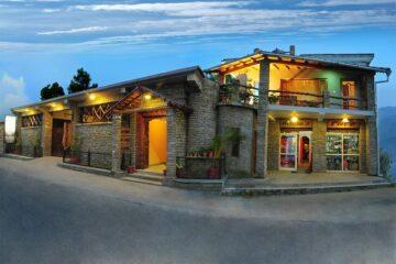 beleuchtete Kulisse Hotel in Binsar