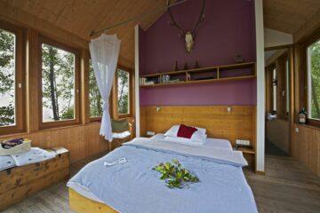 Bett im Baumhaus