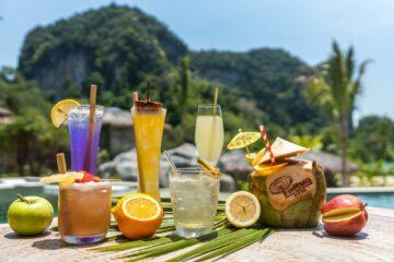 Cocktails aufgereiht