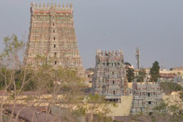 Drei Tempel hintereinander aufgereiht