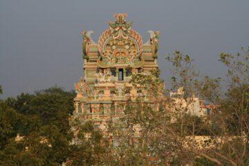 Tempel mit Skulpturen in Nahsiccht