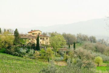 Toskanische Landschaft mit Zypressen