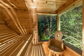 Sauna mit Blick in die Natur