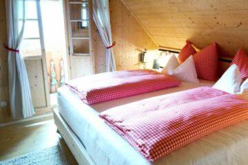 Doppelbett mit Balkon
