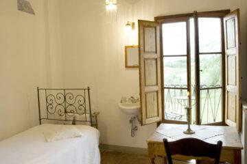 Romantisches Zimmer mit Fenster