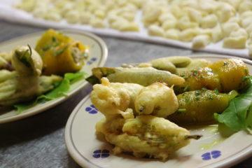 Italienische Delikatessen auf Teller