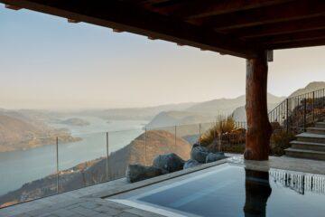 Pool auf Terrasse mit Blick auf Fluss