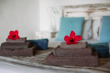 Handtücher mit roter Blume