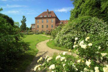 Gutshaus im Garten