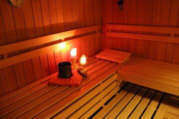 Sauna beleuchtet