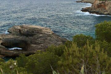 Steilküste am Meer