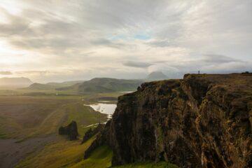 Hügel und Felsen