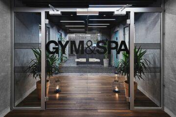 Eingang zum Gym und Spa